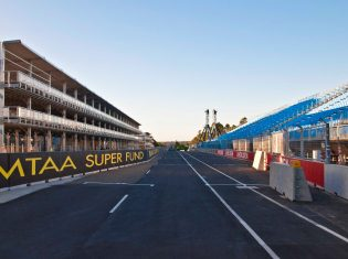 Sydney 500 V8 Supercar Racetrack